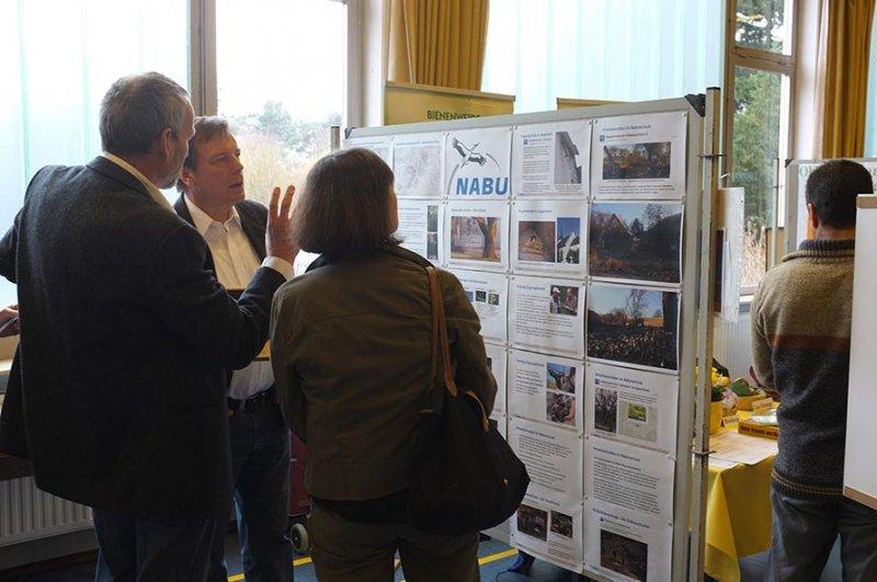 Infomesse - Besuch BM Olaf Kühn am NABU-Stand