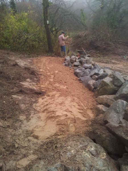 Steinschüttung Sand schippen 10
