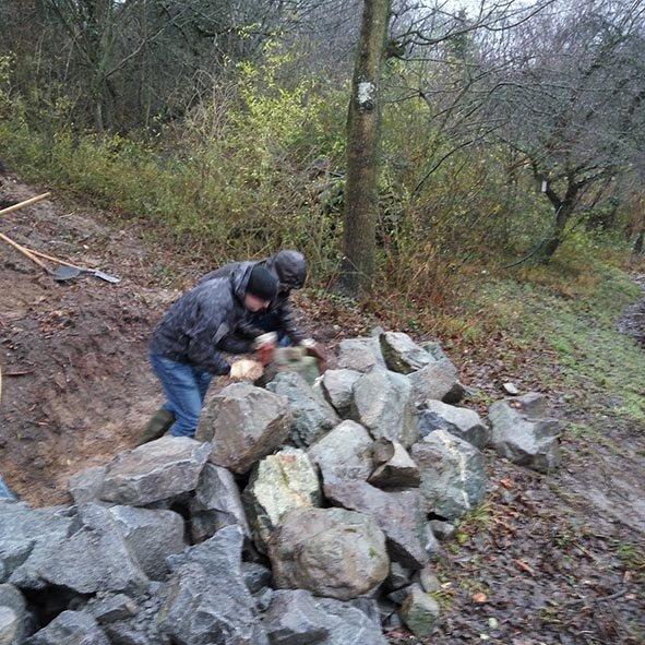 Steinschüttung Steine wälzen 1