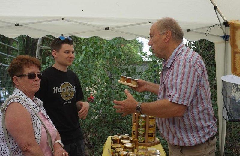 Honigtag Honigverkauf 02
