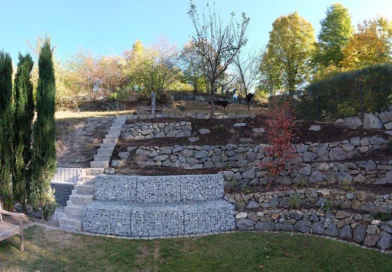 Hausgarten Georg mit Trockanmauern am Weinberg