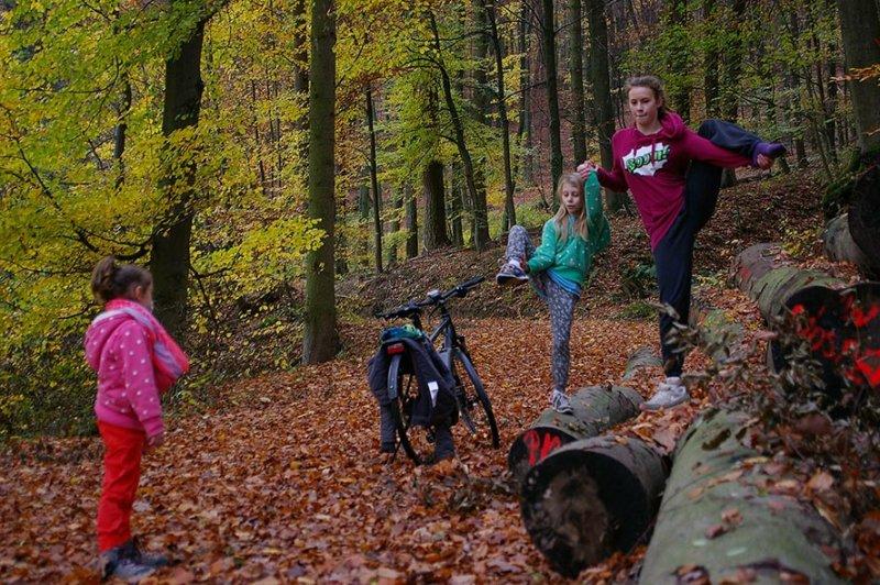 Sternwanderung - Gymnastik im Wald 05