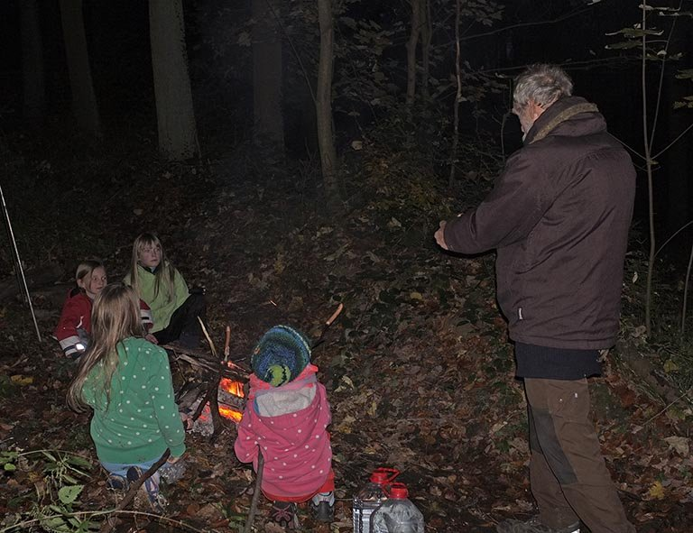 Sternwanderung - Lagerfeuer am Wühlmaushotel mit Ecki 1