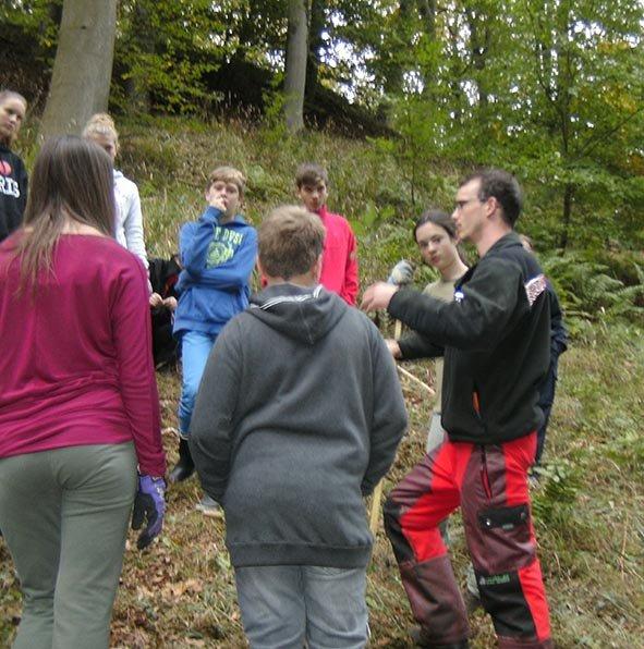Pflanzaktion der NAJU im Alsbacher Wald 10