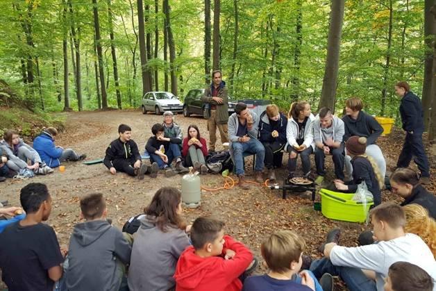Pflanzaktion der NAJU im Alsbacher Wald 15