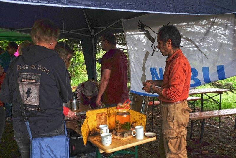 Tag-der-Artenvielfalt-16-Teeküche-im-Regen-10x15s