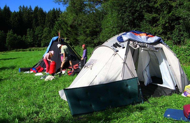 Aufbruchsstimmung im Lager 2 10x15