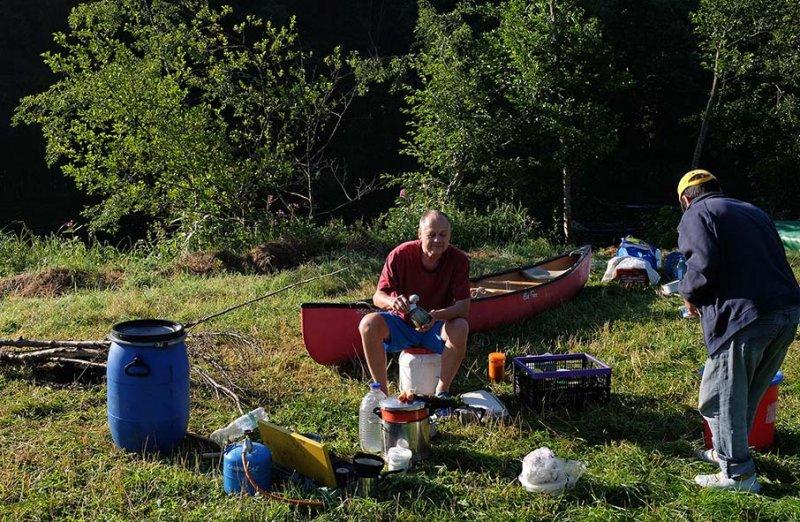 Frühstück im Lager 1 10x15