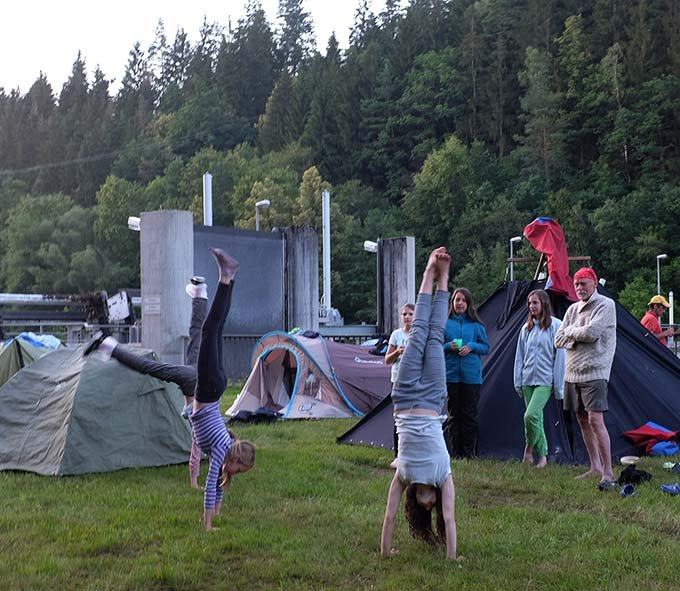 Handstand 16 10x12