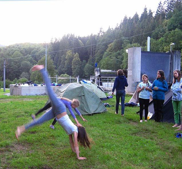Handstand 4 10x11
