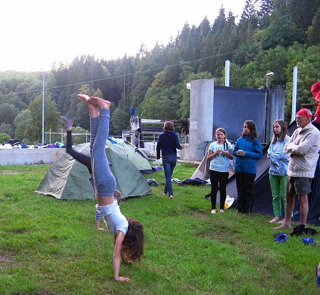 Handstand 5 10x11