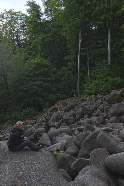 15 NAJU Sommerlager Wanderung zum Felsberg bei Reichenbach