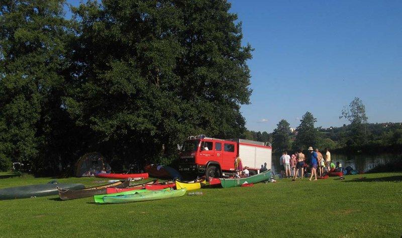 Feuerwehr im Lager 1 10x17