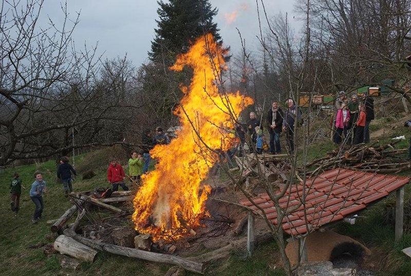55 Weihnachtsbaum-Verbrennung