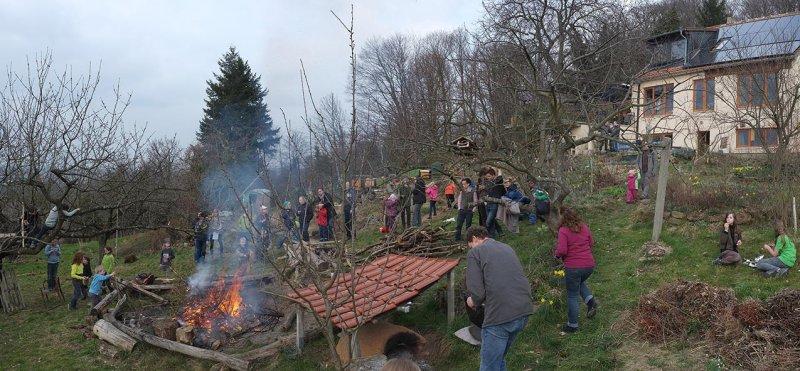 58 Weihnachtsbaum-Verbrennung