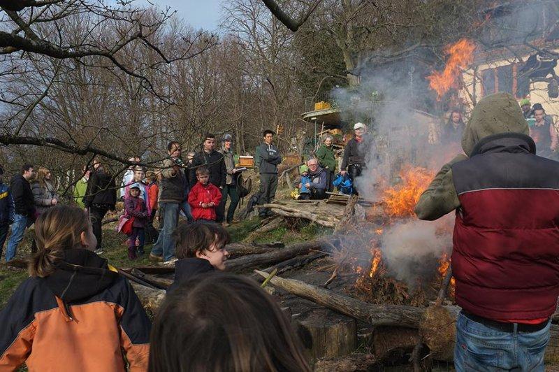 35 Weihnachtsbaum-Verbrennung