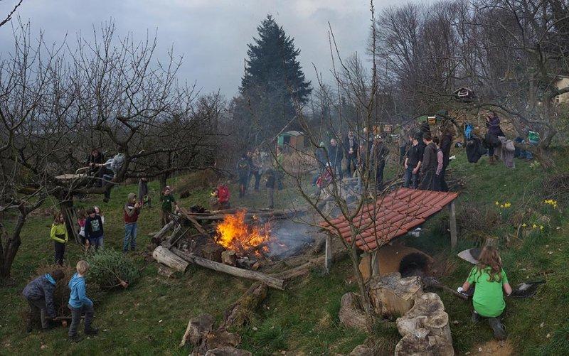 51 Weihnachtsbaum-Verbrennung
