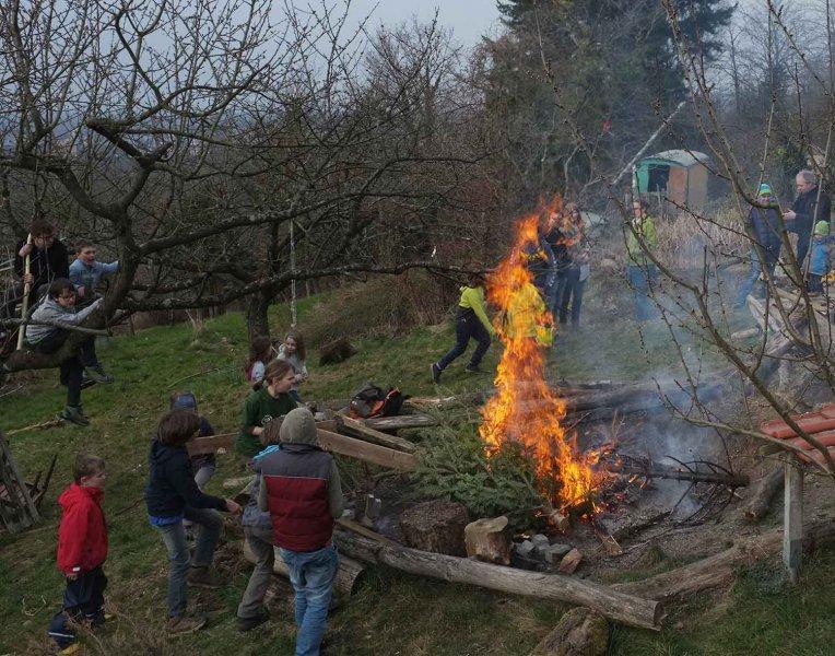 53 Weihnachtsbaum-Verbrennung