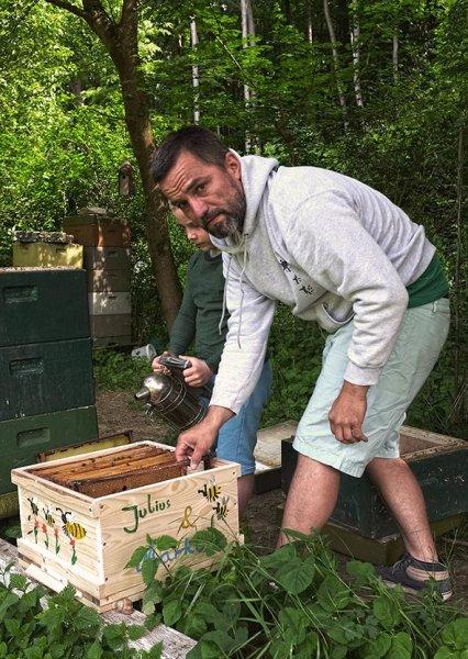 bemalte Bienenkiste Markus & Julius 2