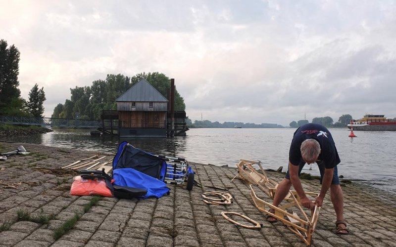 Aufbau Faltboot Einsetzstelle Ginsheim-Gustavsburg 2