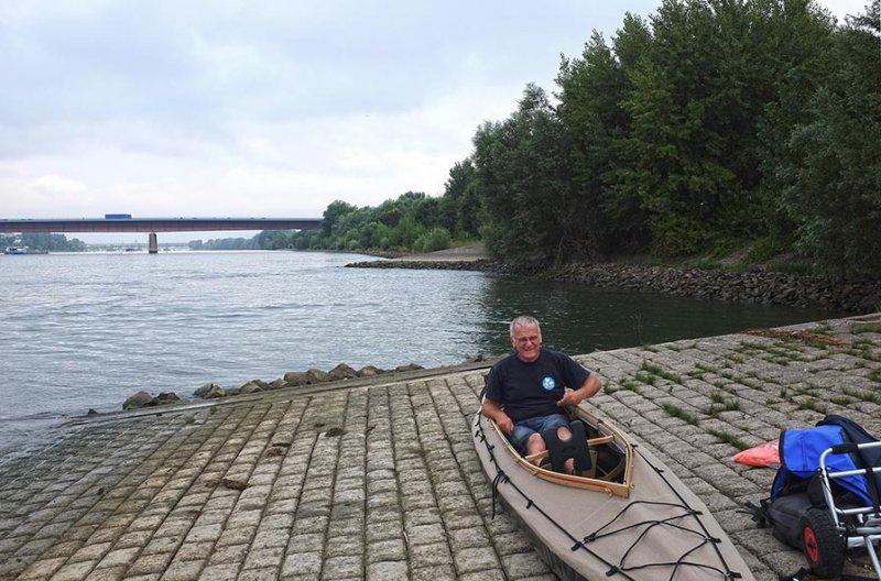 Aufbau Faltboot Einsetzstelle Ginsheim-Gustavsburg 3