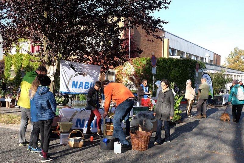 NABU-Stand Pflanzenflohmarkt 8 10x15s
