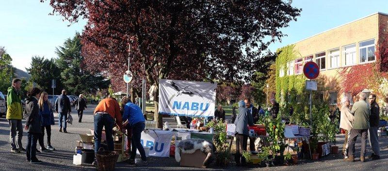 NABU-Stand Pflanzenflohmarkt 9a 10x23s