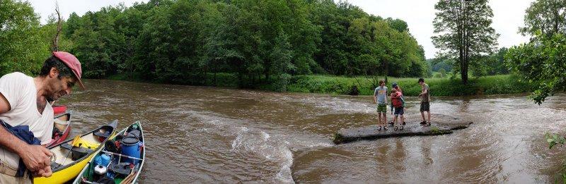 Hochwasser an der Anlegestelle 13