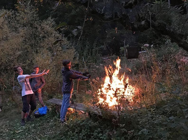 Etzwiesen Lagerfeuer 1 10x13s