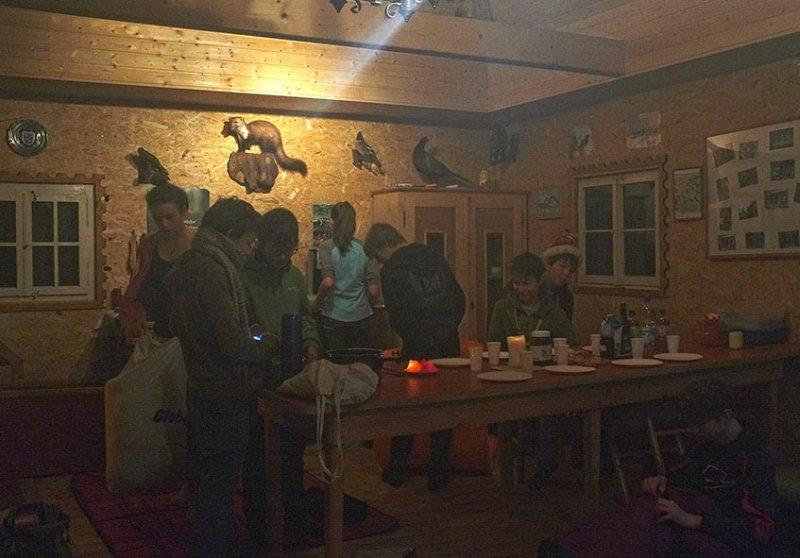 01 Aufstehen in der Hütte