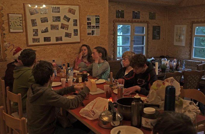 03 Frühstück in der Hütte