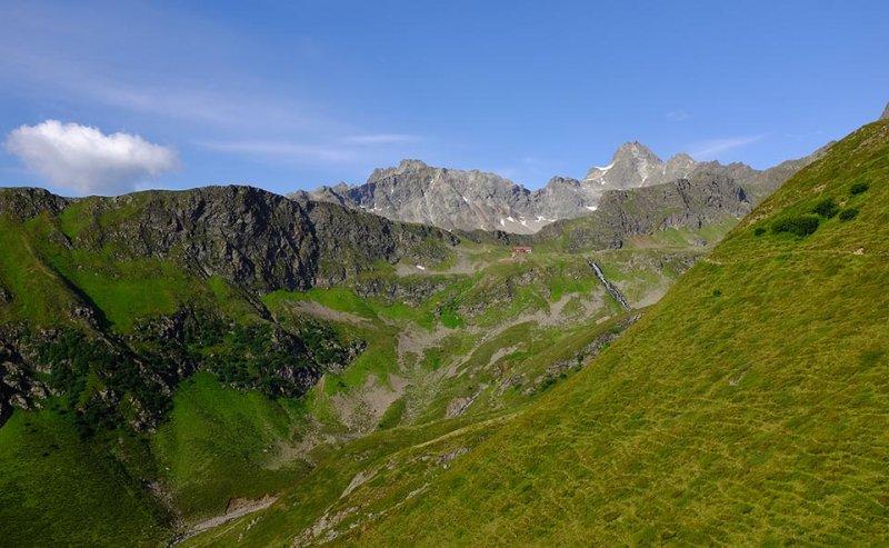01 Blick zur Niederelbehütte 1