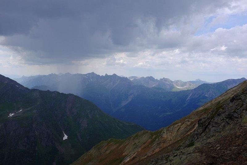 08 Abstieg vom Riflerpass im Regen 2 10x15s