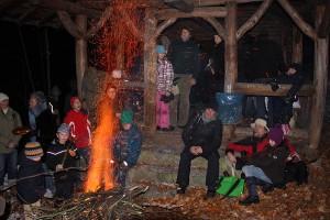 Sternwanderung zur Blockhütte im Wald über Malchen