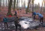 NAJU-Gruppe entschlammt Amphibiengewässer