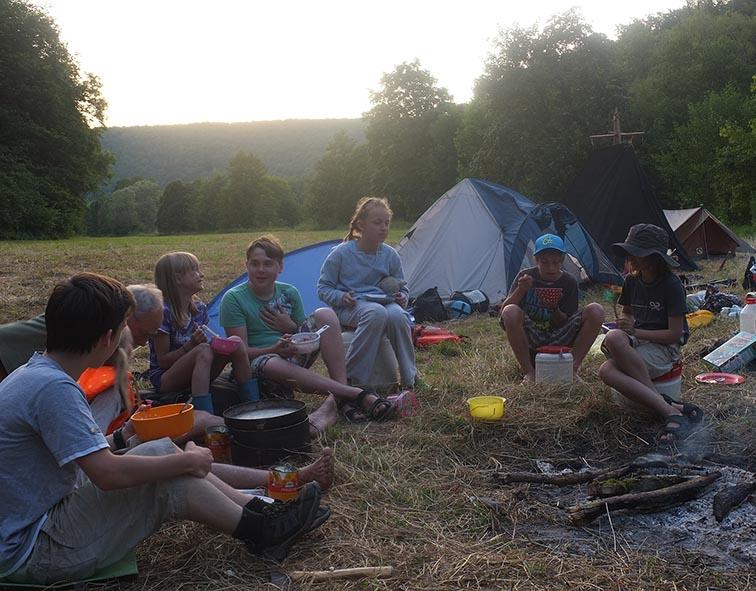 Lager am Dreiecksfelsen - Abendessen 02