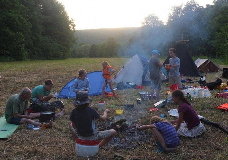 Lager am Dreiecksfelsen - Abendessen 06