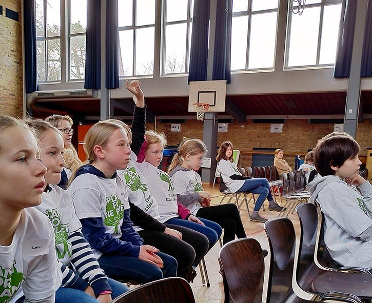 Startprogramm-05-Rede-der-Klimabotschafter-Foto-Sabine-Durst-10x13s