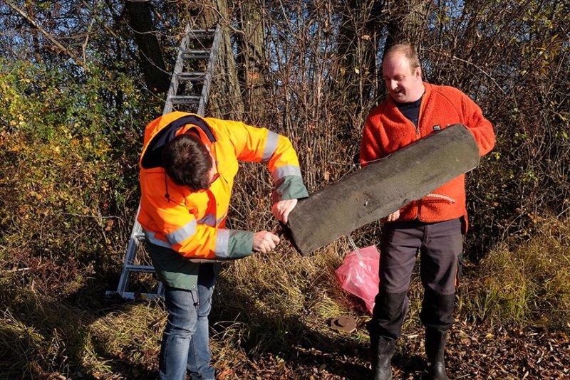 Kontrolle und Abbau von Steinkauzkästen bei Hähnlein 08 10x15s