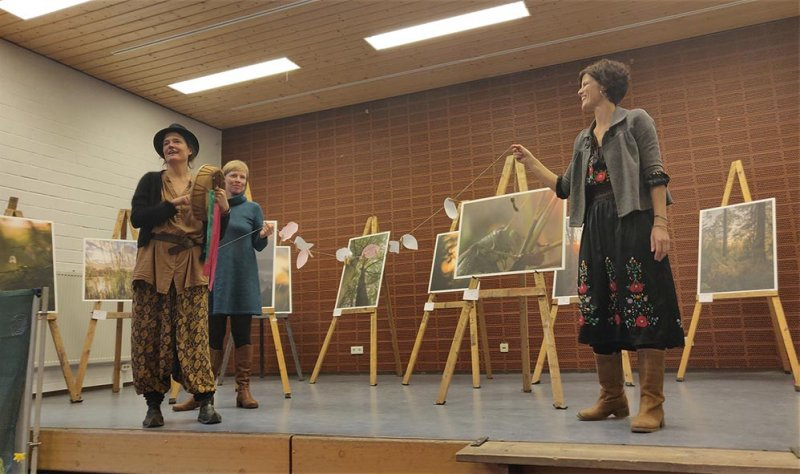 Messe-Überblick 19 Performance Wilde Sprache 10x20s