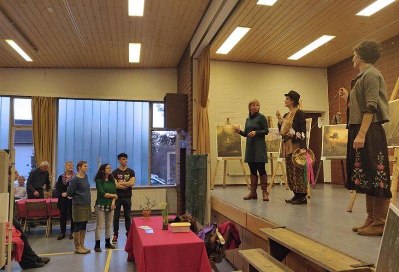 Messe-Überblick 21 Performance Wilde Sprache 10x15s