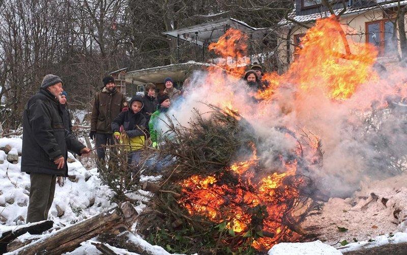 Winterverbrennung 20 10x15s