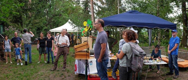 Honigfest-im-Lernort-Natur-06-NABU-Stand-10x23s