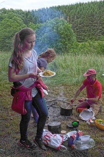 Abendessen am Lagerfeuer 3