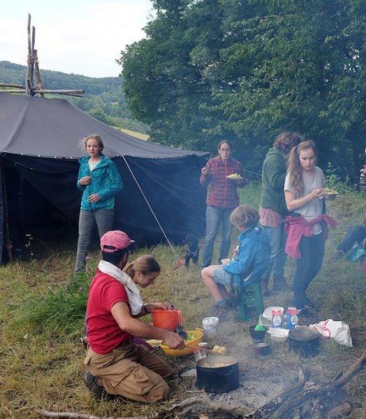 Abendessen am Lagerfeuer 7