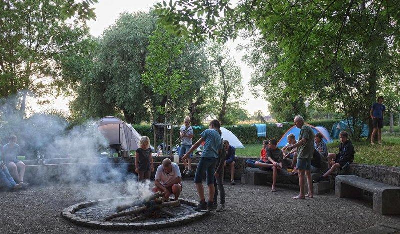 08-Abend-im-Camp-Bottendorf-01-10x17s