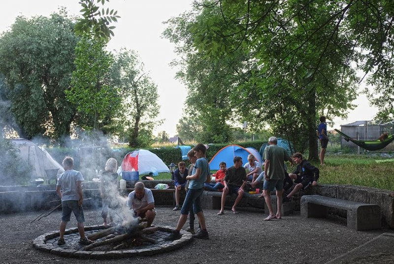 08-Abend-im-Camp-Bottendorf-02-10x17s