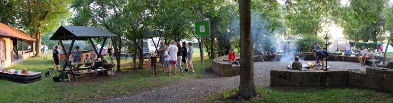 08-Abend-im-Camp-Bottendorf-06-10x38s