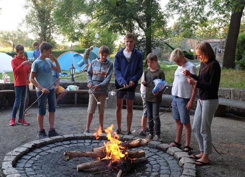 08-Abend-im-Camp-Bottendorf-07-10x13s