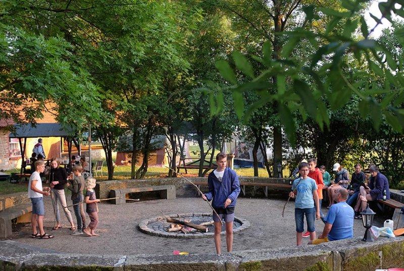 08-Abend-im-Camp-Bottendorf-11-10x15s